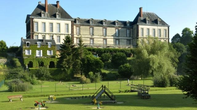 Chateau Torigny les villes - Saint Amand